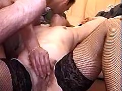 Mature mom drilled by guy