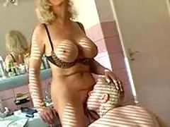 Old mama goes crazy from big cock