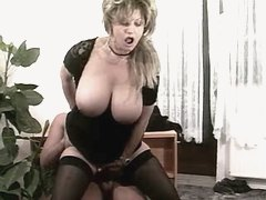 Elder mom w big tits jumps on cock